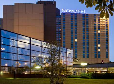 Fasade Novotel City